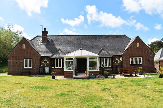 5 bed bungalow for sale in Matchams Close, Matchams, Ringwood BH24