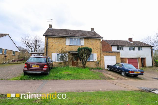 Thumbnail Terraced house for sale in Bishops Rise, Hatfield