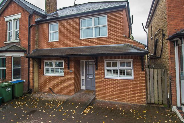 4 bed property for sale in Walton Road, East Molesey
