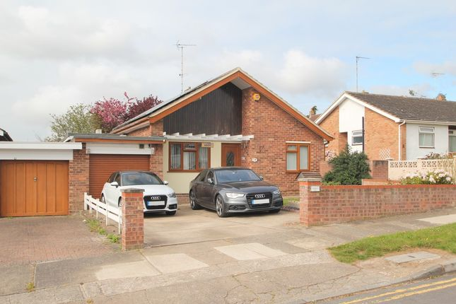 3 bed detached bungalow for sale in Dinsdale Close, Colchester
