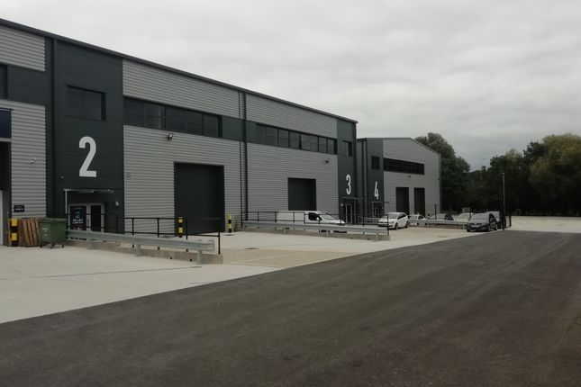 Thumbnail Industrial to let in Ellesfield Trade Centre, Ellesfield Road, Bracknell