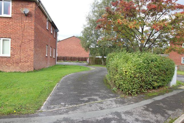 Picture No. 37 of Melton Avenue, Leeds, West Yorkshire LS10