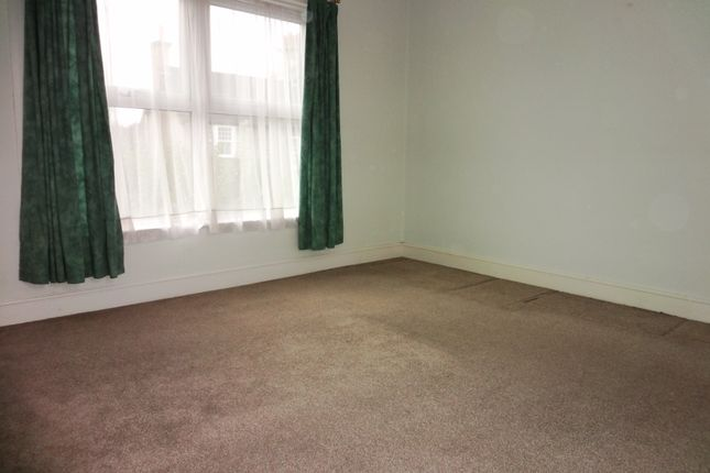 Bedroom: of Fairfax Road, Hertford SG13