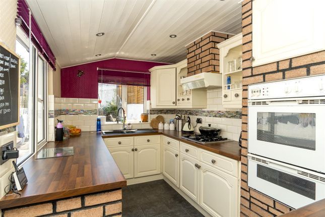 Kitchen of Norton Avenue, Plymouth PL4