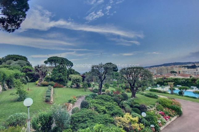 2 bed apartment for sale in Antibes, Provence-Alpes-Cote D'azur, France