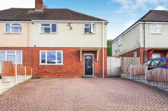 3 bed semi-detached house to rent in Murcroft Road, Stourbridge DY9