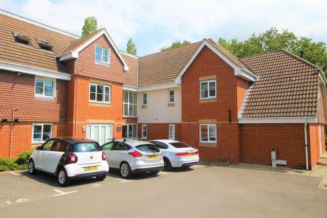 2 bed flat for sale in Park Cottage Drive, Titchfield, Fareham PO15