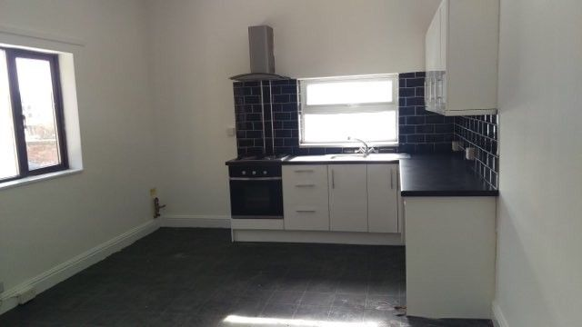 Thumbnail Flat to rent in Cleethorpes Road, Grimsby