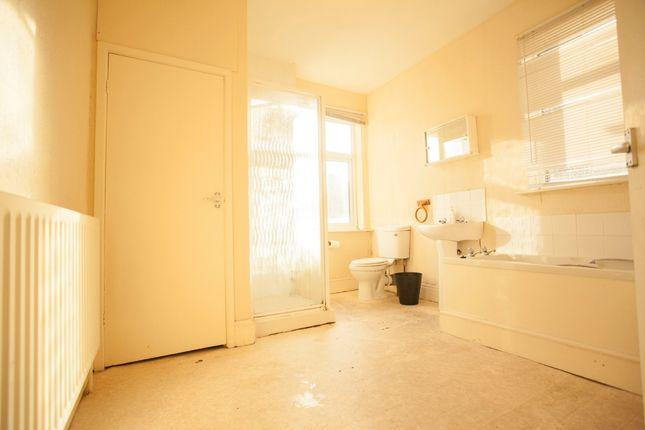 Bathroom of Aynsley Road, Shelton ST4
