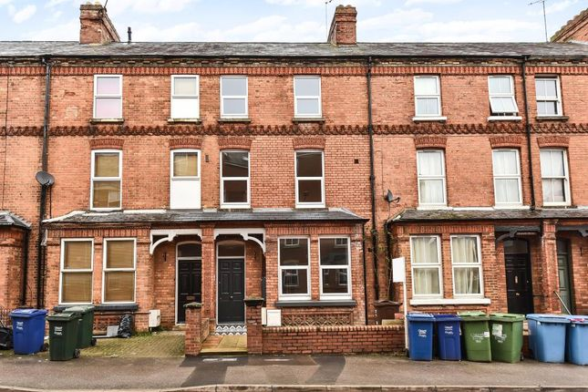 1 bed flat to rent in Marlborough Road, Garden Flat OX16