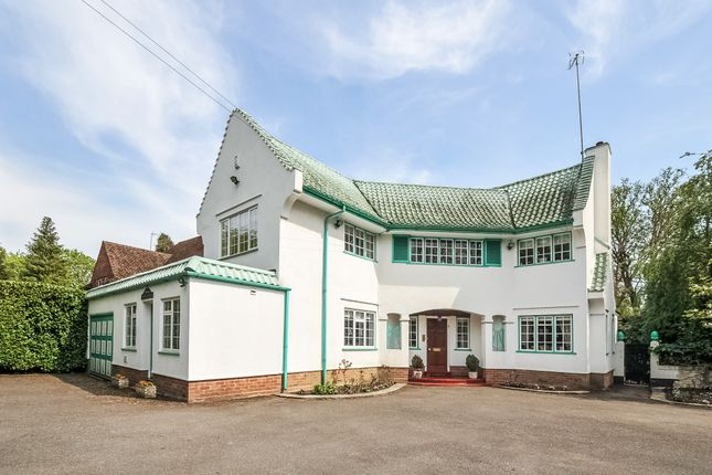Thumbnail Detached house for sale in Green Lane, Northwood