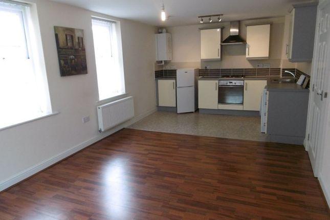 Thumbnail Flat to rent in Florence Villas, Wyggeston Street, Burton Upon Trent, Staffordshire