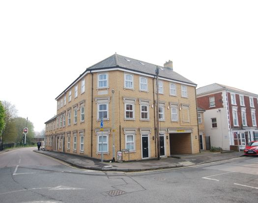 1 bed flat to rent in Old Road, Linslade, Leighton Buzzard LU7