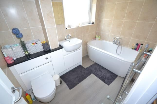 Bathroom of Firdale Avenue, Rushden, Northamptonshire NN10