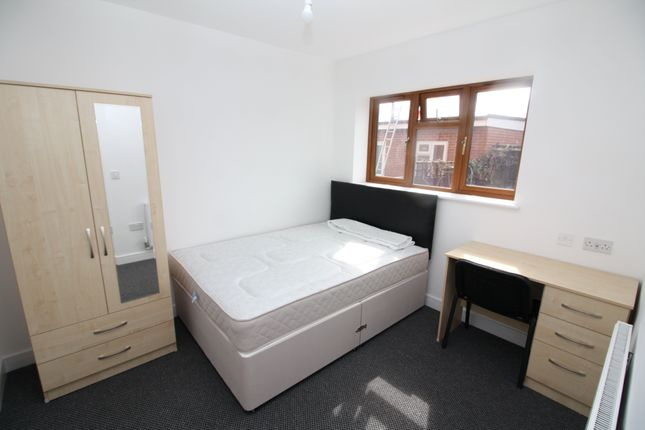 Thumbnail Property to rent in Sheriff Avenue, Canley, Coventry