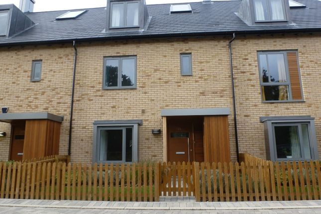 Thumbnail Town house to rent in Spring Drive, Trumpington, Cambridge