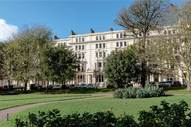 2 bed flat for sale in Palmeira Square, Hove BN3