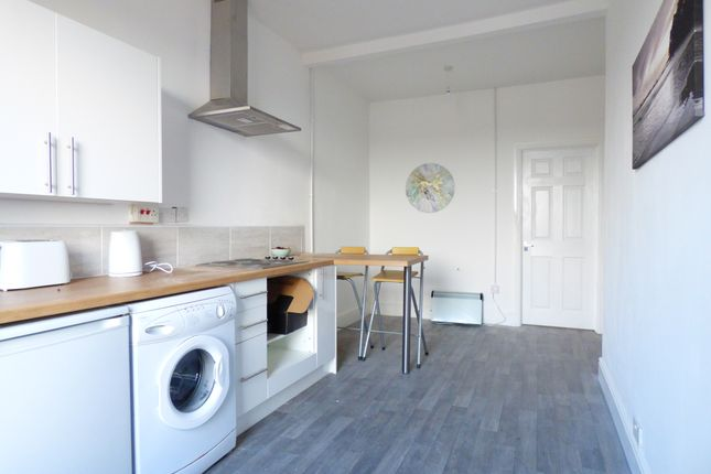 Thumbnail Flat to rent in Hilltop, Knottingley, West Yorkshire
