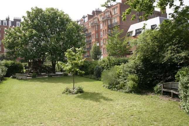 Thumbnail Property to rent in Oakwood Court, Abbotsbury Road, Holland Park, London