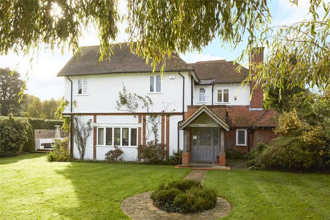 Photo of Russell Close, Walton On The Hill, Tadworth, Surrey KT20