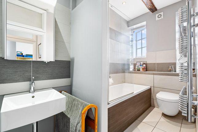 Bathroom-Small of St. Andrew Street, Hertford SG14