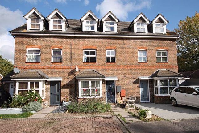 Photo 2 of Crowhurst Crescent, Storrington, Pulborough RH20
