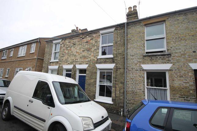 Thumbnail Terraced house to rent in Sturton Street, Cambridge