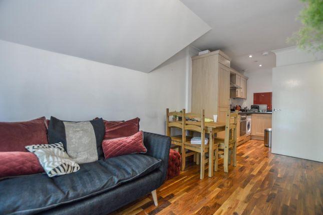 Flat to rent in Maybury Road, Woking, Surrey