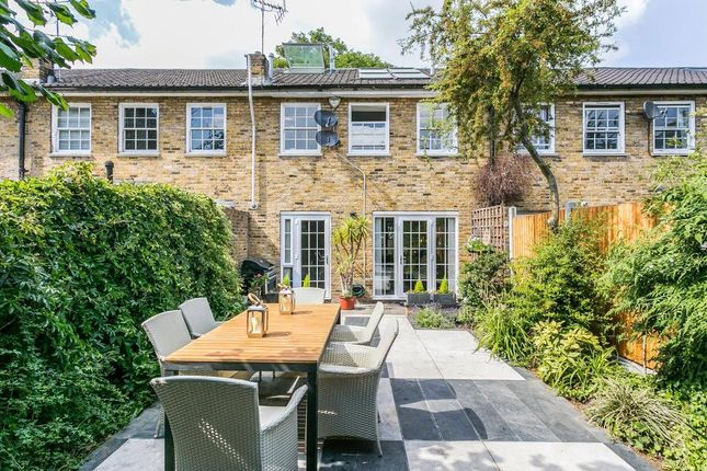 Thumbnail Terraced house to rent in St Paul's Road, Canonbury, London