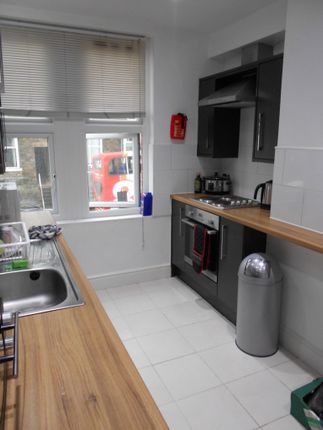 3 bed shared accommodation to rent in Berkeley Precinct, Ecclesall Road, Sheffield