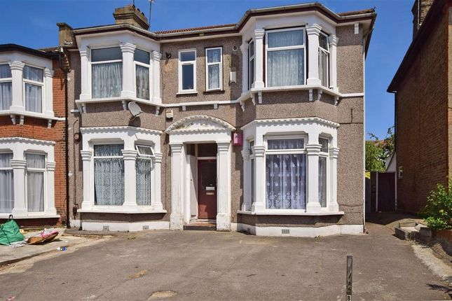 Thumbnail Flat for sale in Argyle Road, Ilford, Essex