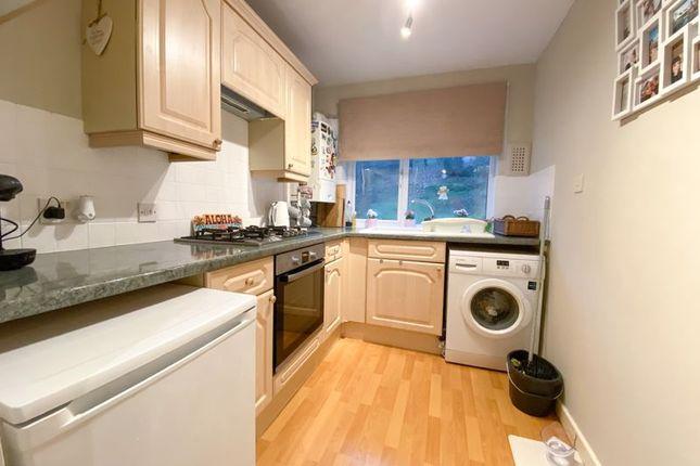 Thumbnail Maisonette to rent in Hemdean Road, Caversham, Reading