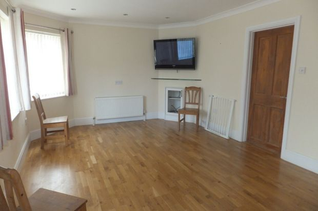 Thumbnail Flat to rent in High Street, Otford Kent