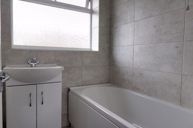 Bathroom of Ferncombe Drive, Rugeley WS15
