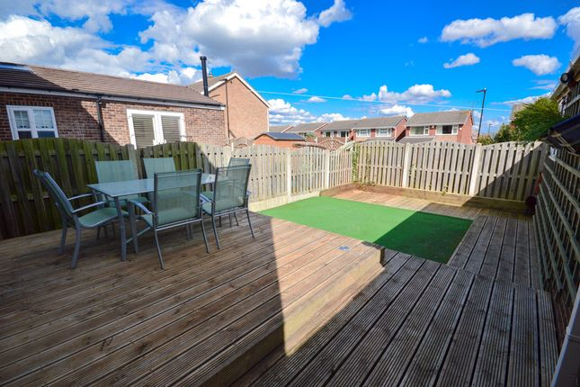 Thumbnail Semi-detached house to rent in Twickhenham Close, Halfway, Sheffield