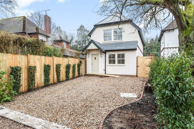 2 bed detached house to rent in Guildford Lodge Drive, East Horsley, Leatherhead KT24