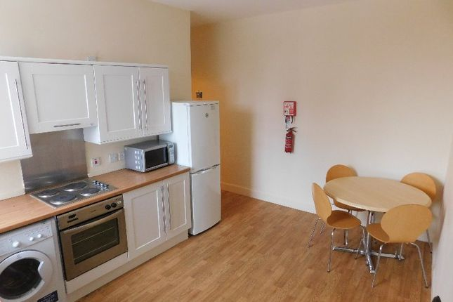Thumbnail Flat to rent in North George Street, Strathmartine, Dundee