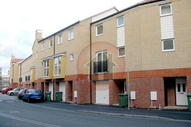 Thumbnail Town house for sale in White Star Place, City Centre, Southampton, Hampshire