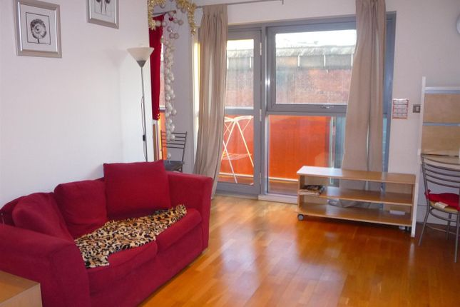 1 bedroom flat for sale in The Lock, Whitworth Street West, Manchester City Centre, Manchester