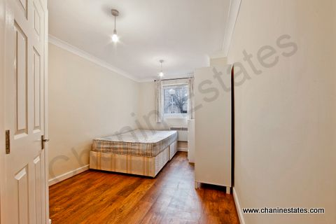 Thumbnail Town house to rent in Westferry Road, London