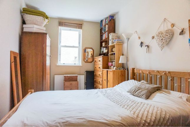Bedroom of 21 Chilswell Road, Oxford OX1
