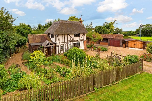 Thumbnail Cottage for sale in Todds Green, Hertfordshire