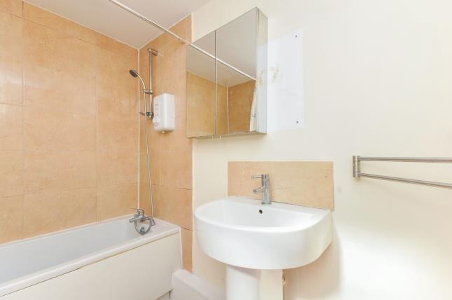 Bathroom of Launcelot Road, Bromley, . BR1