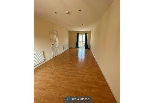 2 bed flat to rent in Edward Street, Burton On Trent DE14