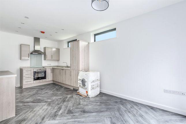 Thumbnail Flat to rent in Watlington Street, Reading, Berkshire