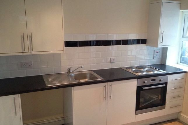 Thumbnail Flat to rent in Chell Street, Hanley, Stoke-On-Trent
