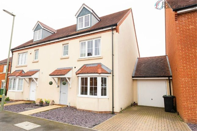 Thumbnail Town house for sale in Royal Gardens, Tadley, Hampshire