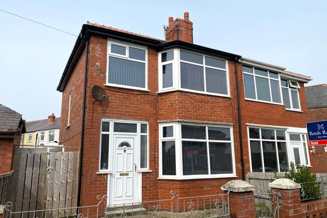 3 bed semi-detached house to rent in Arnott Road, Blackpool FY4