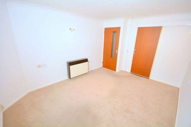 Lounge of Stratheden Court, Torquay TQ1