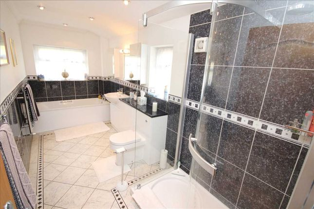 Family Bathroom of West Way, Worthing BN13
